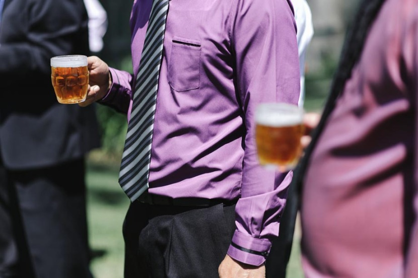 wedding-guests-holding-glasses-beer