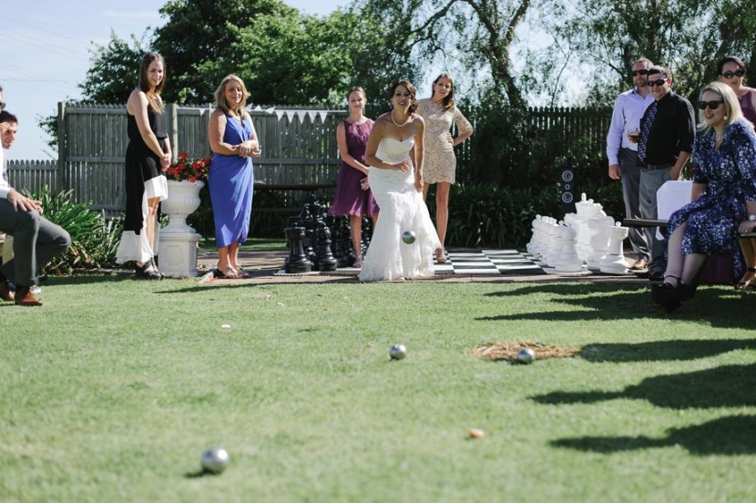 wedding-guests-playing-lawn-boules