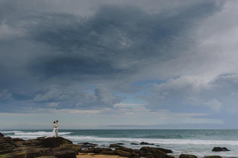 bride-groom-wedding-portrait-narrabeen-beach