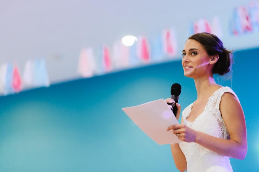 bride-making-wedding-speech