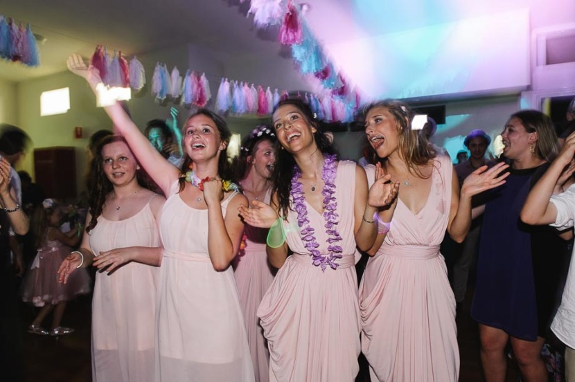 bridesmaids-dancing-at-wedding