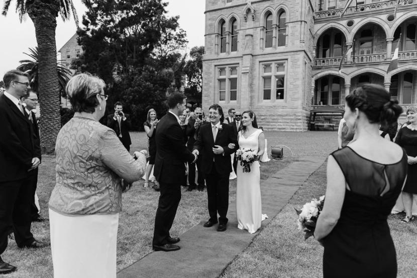 bride-arriving-icms-wedding