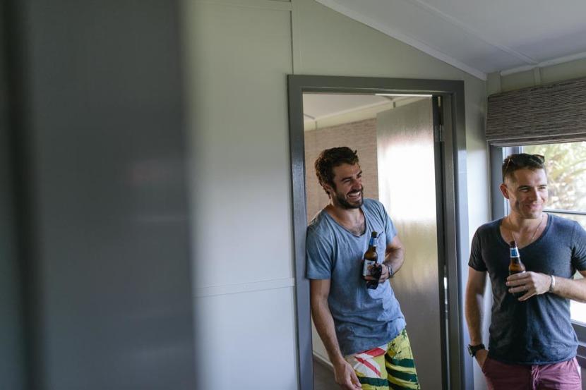 men-laughing-wedding-preperations