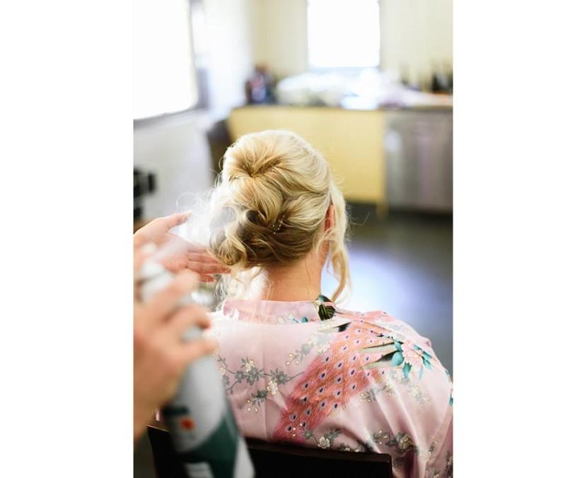 bride-having-hairspray