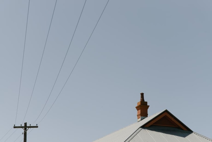 powerlines-and-chimeny