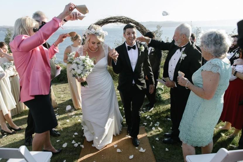 wedding-confetti-being-thrown