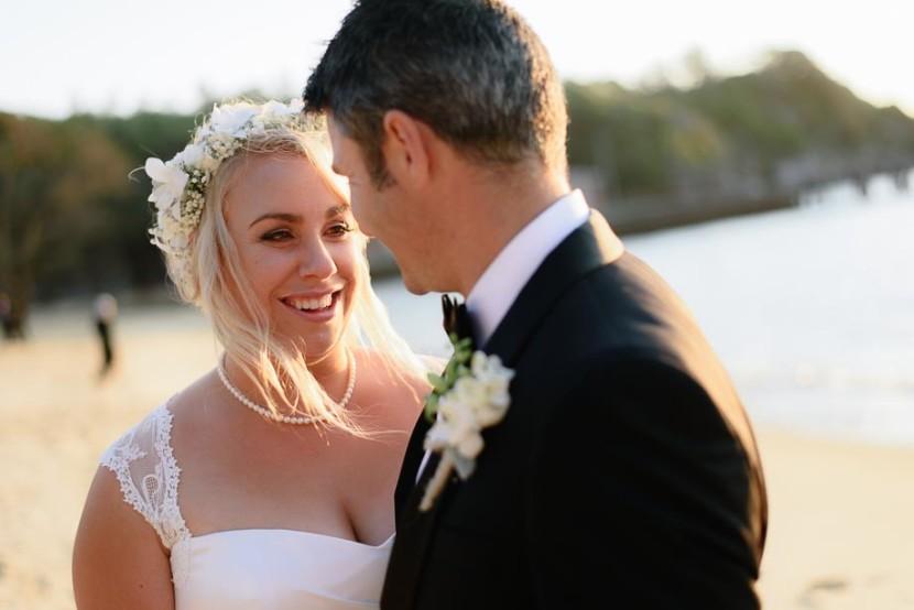 bride-groom-portrait-on-beach