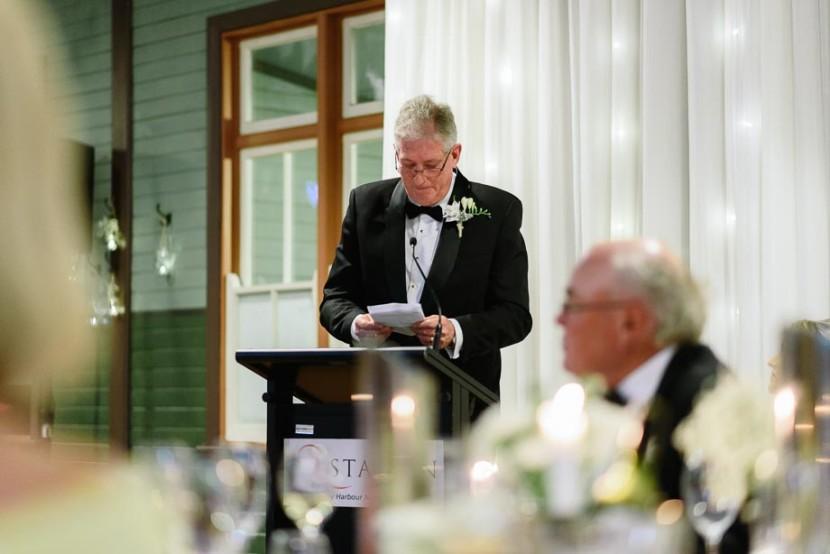 father-making-wedding-speech