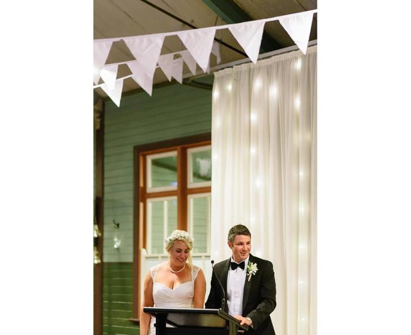 bride-groom-making-wedding-speech