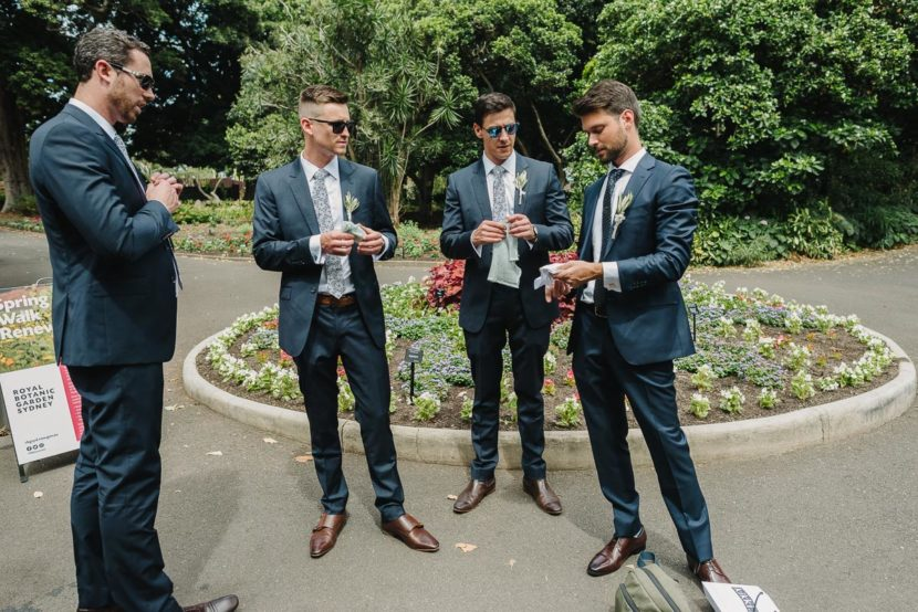groomsmen-getting-reay-sydney-botanical-gardens