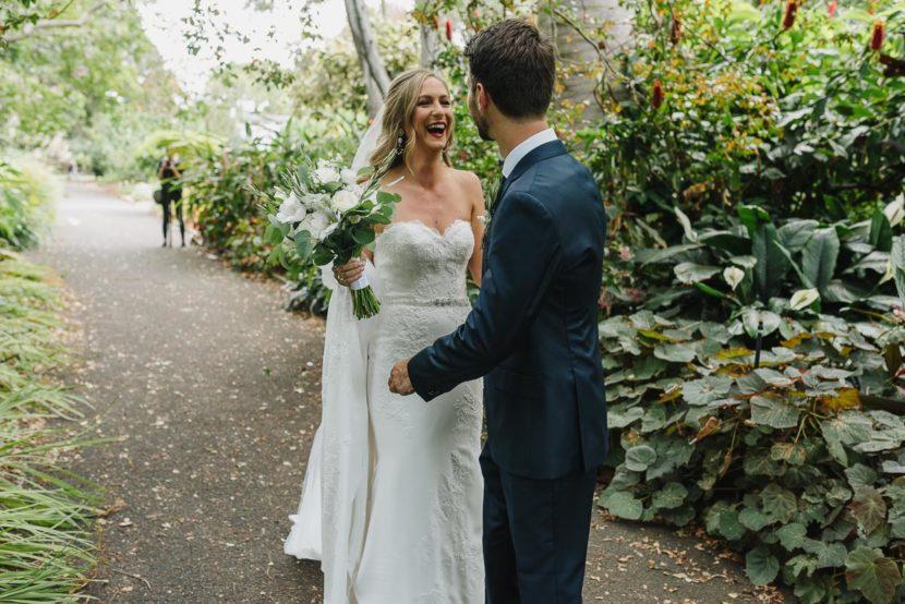 bride-groom-first-look-wedding-photo