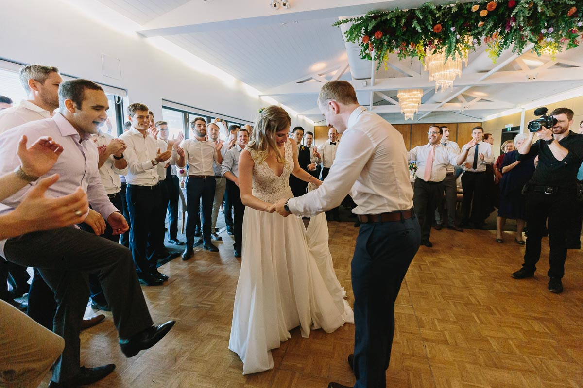 jewish-wedding-hora-dancing