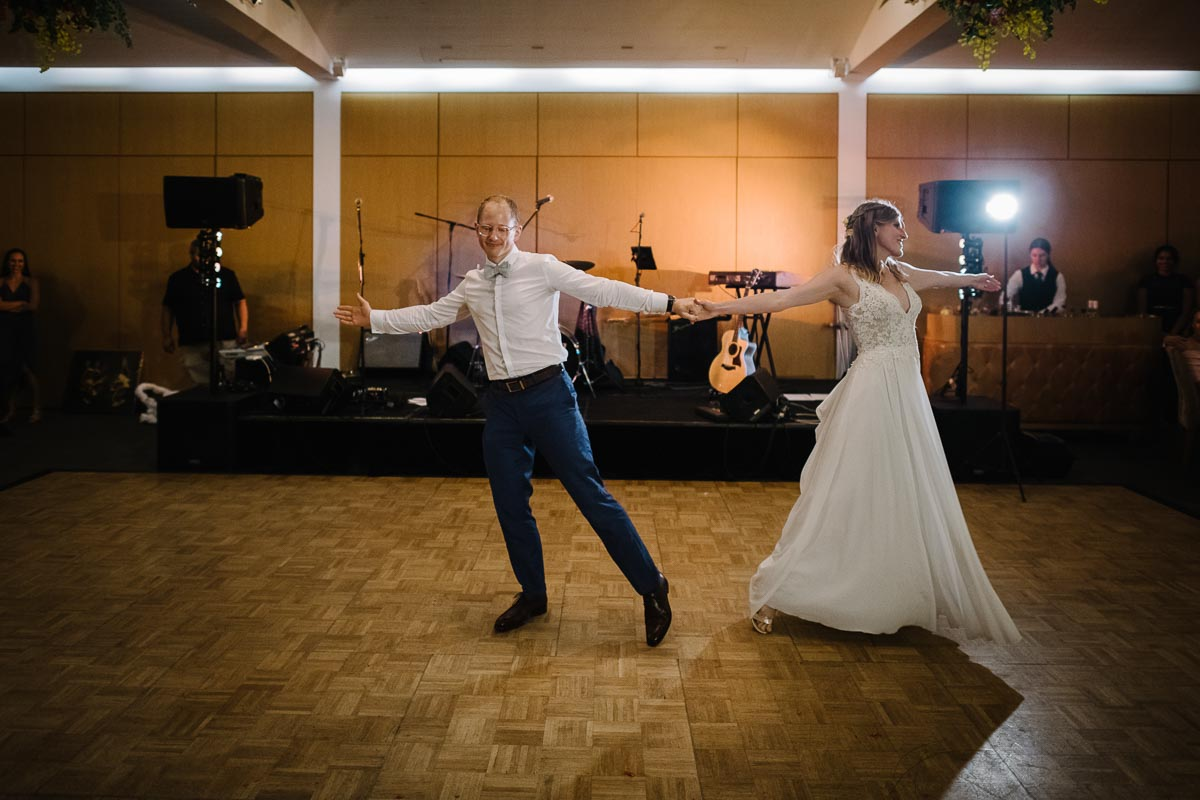wedding-first-dance-sergeants-mess